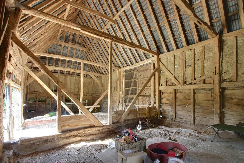 Buying & Converting an old barn part one.