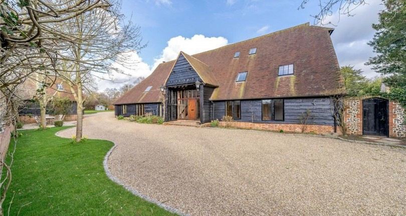 Amazing Barn Conversion In Berkshire.