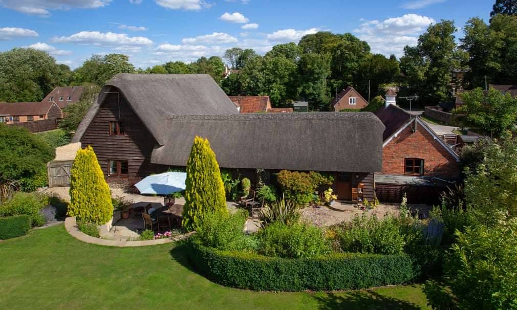 Thatched Barn, Grade II-listed Converted Barn In Sunningwell, Oxfordshire