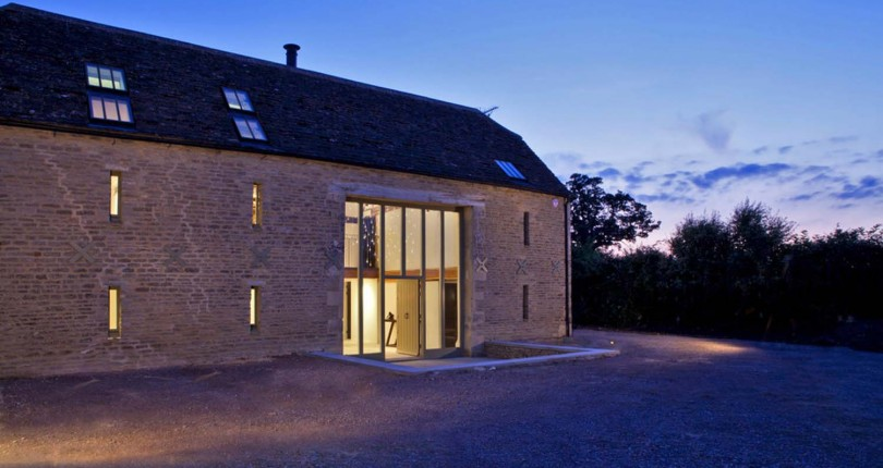 A Striking Barn Conversion In The Cotswolds